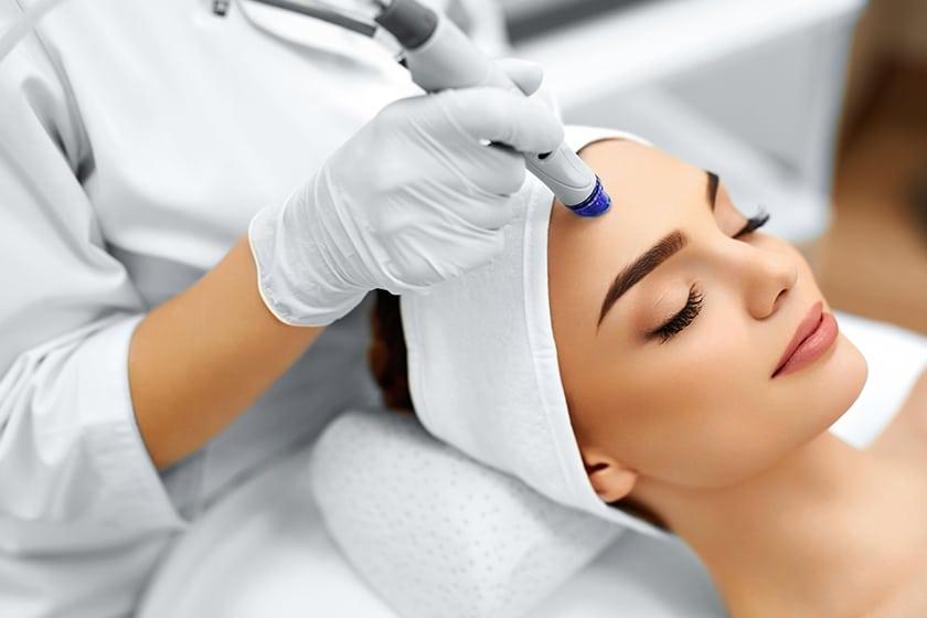 Hydrafacial traitement de la peau du visage Maroc
